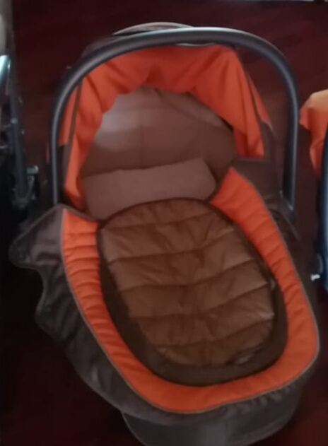 Rent carrycot sroller Palermo