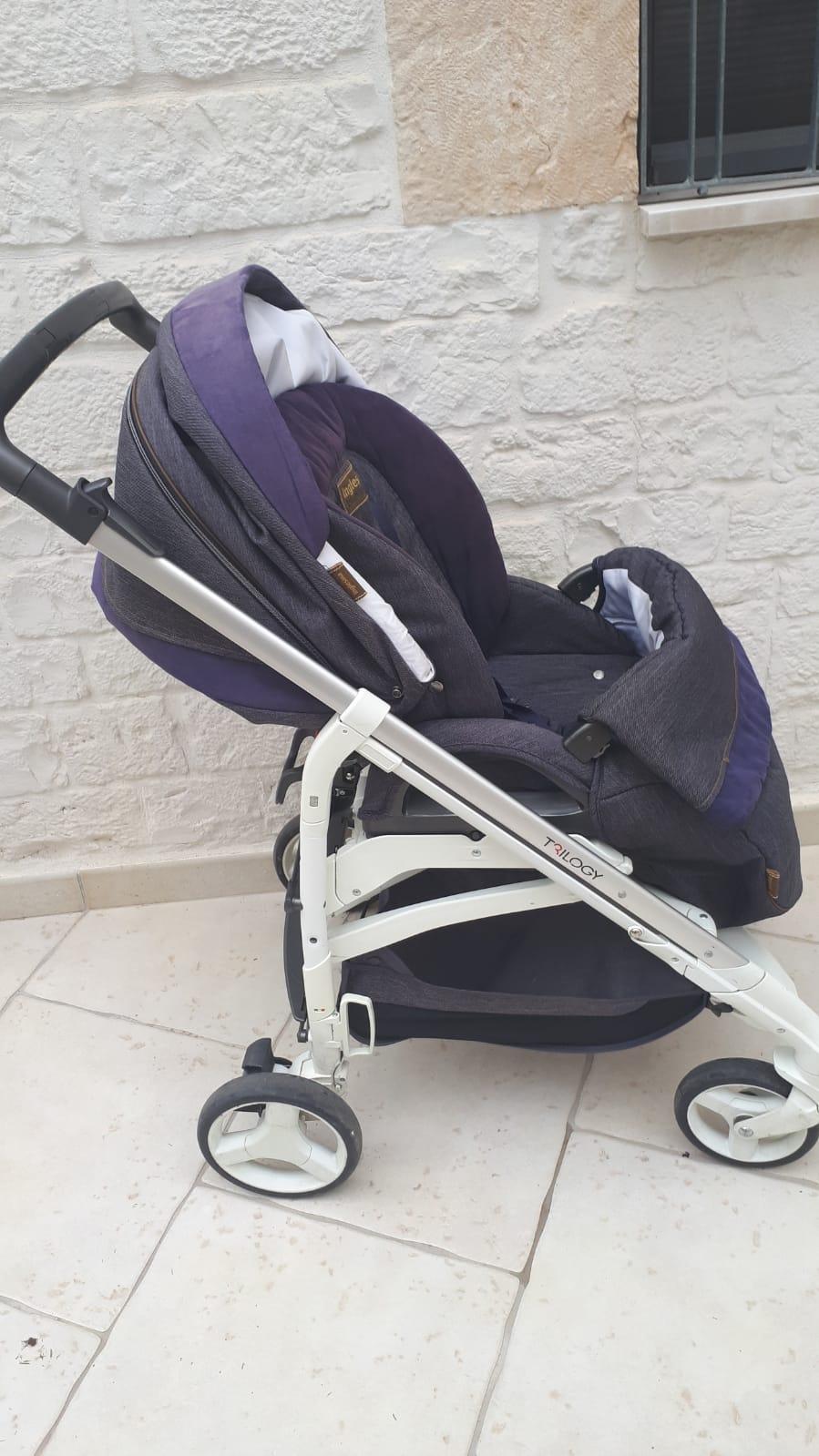 Rent stroller Putignano